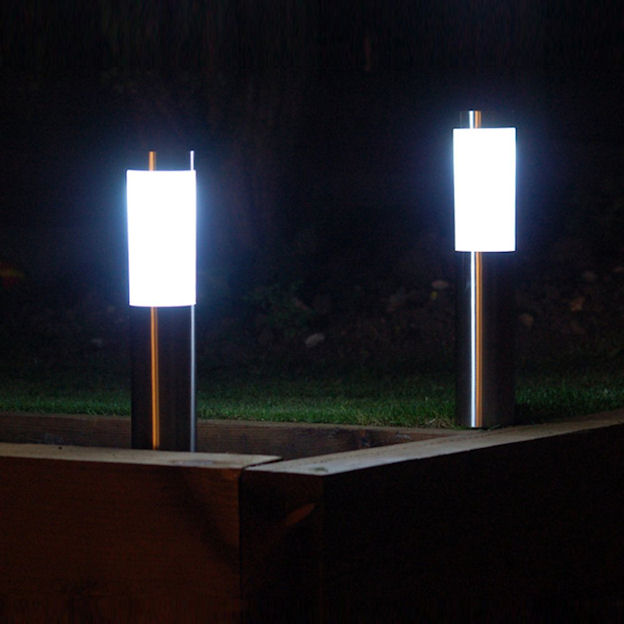 outdoor solar lights the solar lights site. Black Bedroom Furniture Sets. Home Design Ideas